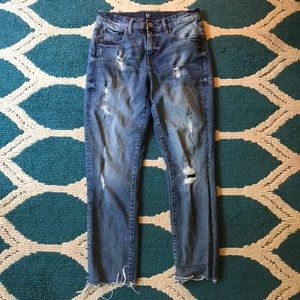 🍂GAP DISTRESSED GIRLFRIEND JEANS SIZE 26🍂